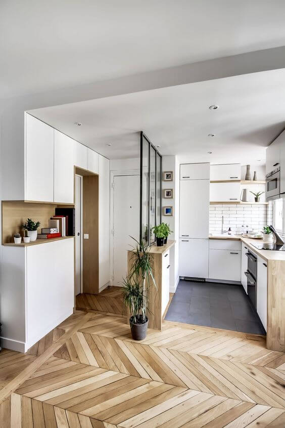 lakberendező, belsőépítész, konyha, előszoba, Elszigetel és összeköt - a lakberendező szerint