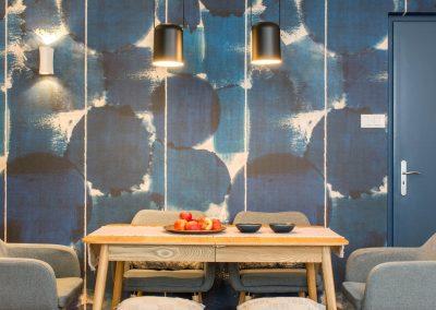 Nappali-étkező panel lakásban